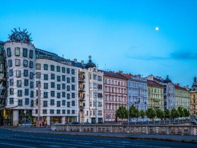 Reisgids Praag Dansend huis